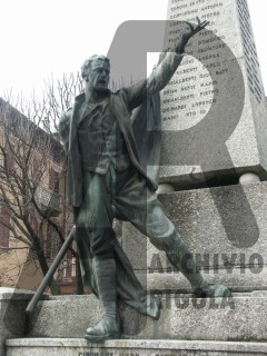 Zogno Monumento ai Caduti Rigola Bronzo