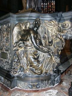 Duomo Milano Base Bronzea Altare Maggiore Angelo 3