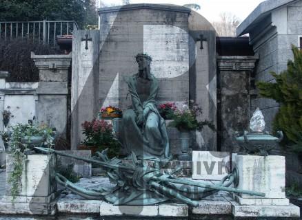 Rigola Scultori Monumenti Funerari Bronzo Cristo Tomba