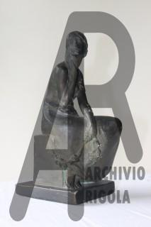 Rigola Scultori Monumenti Funerari Bronzo Donna