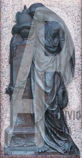 Rigola Scultori Monumenti Funerari Bronzo Donna con Urna